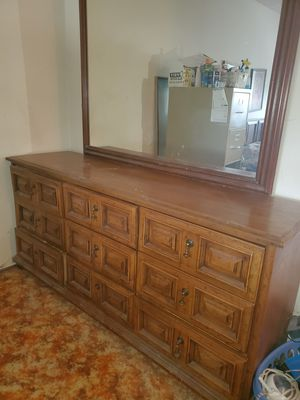 Dresser and mirror with 9 drawers on metal glides for Sale in Chula Vista, CA