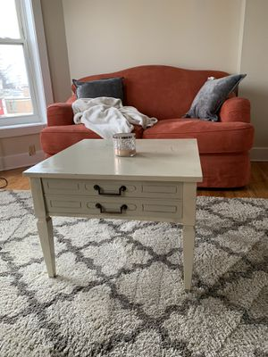 Beautiful antique coffee table for Sale in Columbus, OH