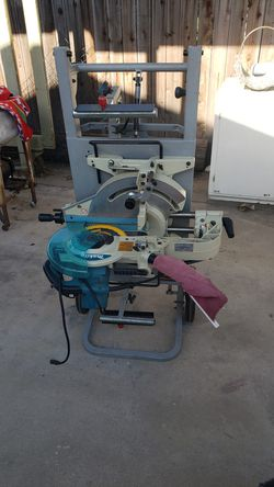 """Makita 10"""" Miter Saw With Rolling Stand And Table for Sale in Modesto, CA"""