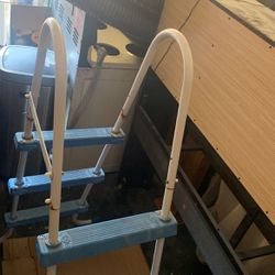 Pool ladder for Sale in Fort Washington,  MD
