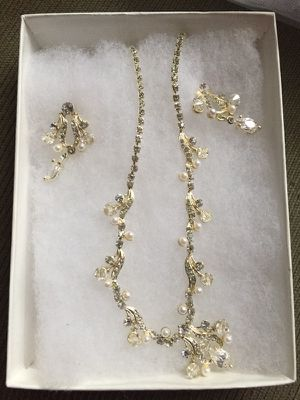 Bridal Jewelry Set for Sale in Millersville, MD
