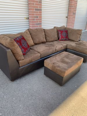 Comfortable sectional couch with ottoman for Sale in Phoenix, AZ