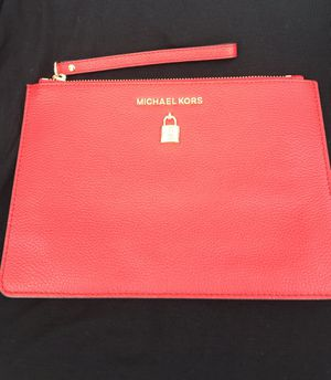 Michael Kors red wristlet for Sale in Miami, FL