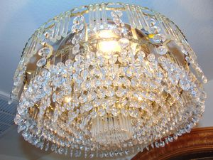 16 inches wide crystal chandelier for Sale in Las Vegas, NV