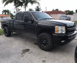 2010 Chevy Silverado for Sale in Miami Lakes, FL
