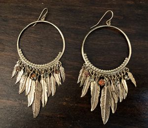Vintage Boho Feather Dangle Earrings for Sale in Redondo Beach, CA