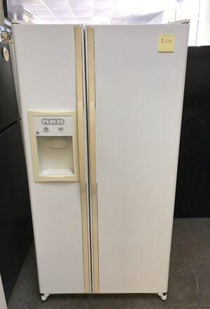 White GE Side-by-Side Refrigerator for Sale in Warren, MI