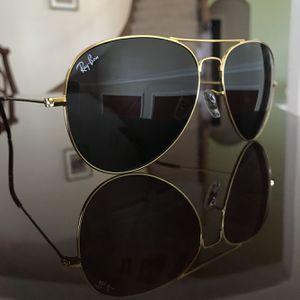 Ray Ban aviator Sunglasses black / gold for Sale in Grand Prairie, TX