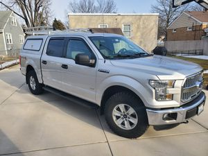 2015 Ford F150 XLT Super Crew 4x4 for Sale in Lombard, IL