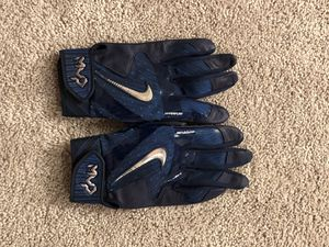 NIKE Hyperfuse Batting Gloves- Baseball/ Softball for Sale in Edmonds, WA