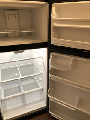 Frigidaire - Refrigerator- Black - 18 Cubic Feet for Sale in Torrance, CA