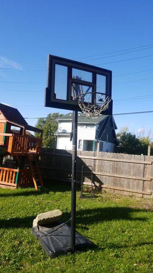 Basketball hoop for Sale in Hamtramck, MI
