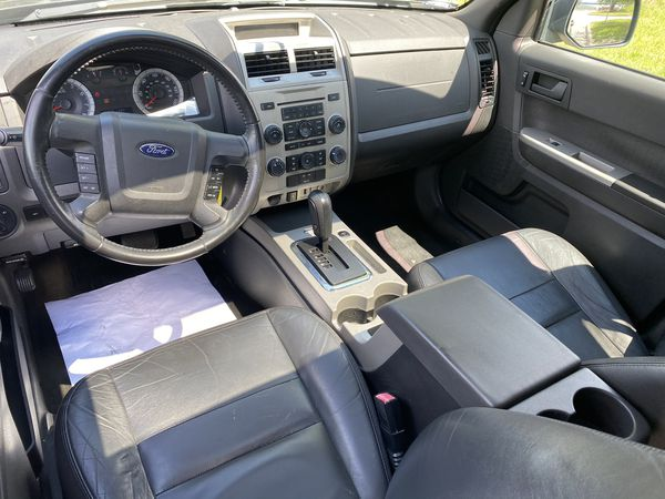 Ford Escape XLT 4 wheel drive