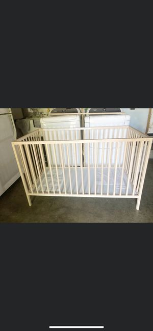 Baby crib with mattress for Sale in Fremont, CA