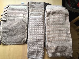 Dish towels/dish clothes/hot pads for Sale in Hammonton, NJ