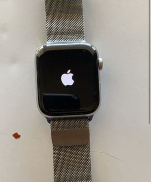 Apple Watch Series 5 for Sale in Phoenix, AZ
