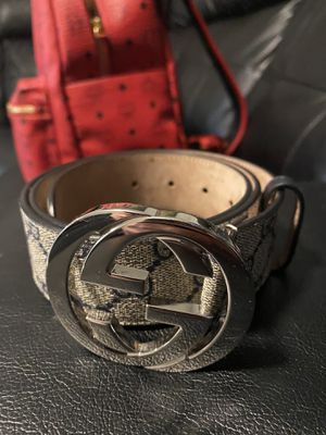 Mens gucci belt perfect condition with dust bag for Sale in Philadelphia, PA