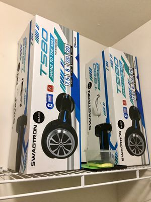 Tonight is Hoverboard almost new only you say five times and put it back in the boxes I bought a brand new in Best Buy has been $430 for both of them for Sale in Fort Myers, FL