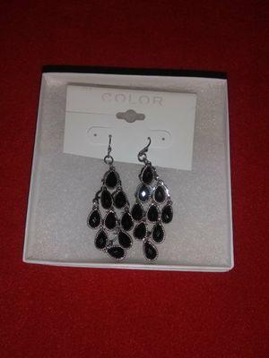 New W/ Box Dangling Earrings for Sale in La Verne, CA