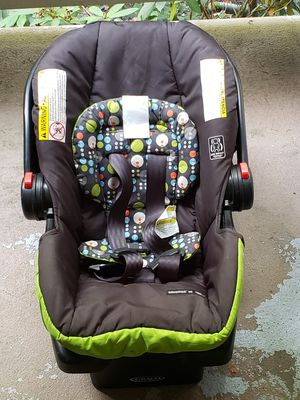 Graco car seat full set for Sale in Redmond, WA
