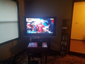 52inch Big Screen TV and...Log End Table for Sale in Vancouver, WA