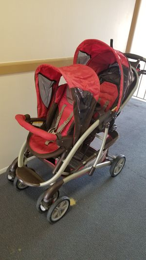 Double stroller for Sale in Warren, MI