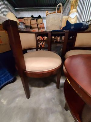 Small table and 2 chairs for Sale in Hialeah, FL