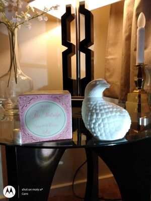 1970s Avon collectible Decanter THE PARTRIDGE Full 5 oz Unforgettable Cologne white milk Glass for Sale in Belleville, MI