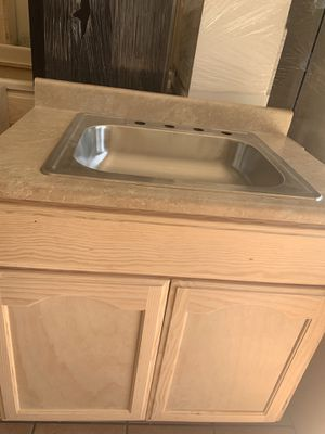 Kitchen cabinet 3 ft for Sale in Los Angeles, CA