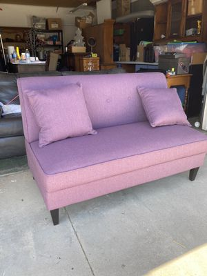Purple couch for Sale in Lake Elsinore, CA