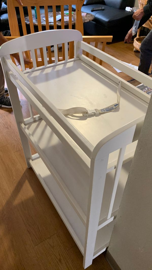 Changing table good wood in good condition