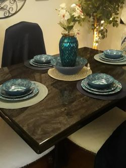 Black Marble Dining Table for Sale in Chesterfield,  MO