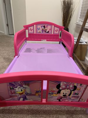 Minnie Mouse toddler bed frame for Sale in Sterling, VA