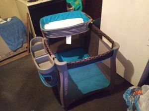 4 in 1 pack and play for Sale in Marquette, MI