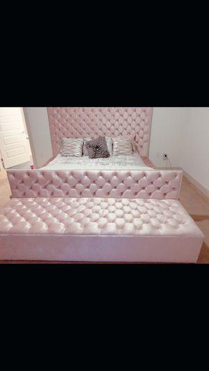 Grand Deluxe custom bed frames. !!PLEASE READ DESCRIPTION!! for Sale in Mansfield, TX