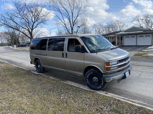 2001 Chevy express van 2500 for Sale in Elk Grove Village, IL