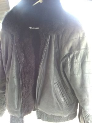 Men's leather and Fur jacket for Sale in East Carondelet, IL
