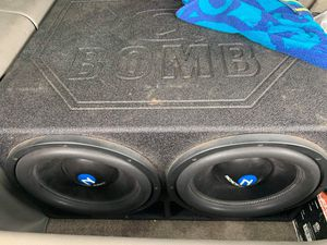 2 12 nemisis audio speakers in pro box and 5000 wat boss amp for Sale in Mesquite, TX