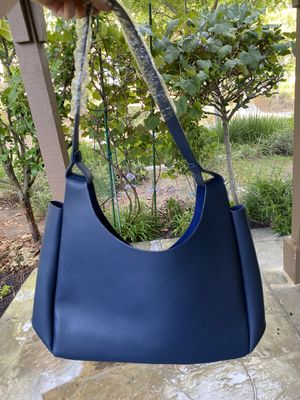 Neiman Marcus fall 2019 new blue tote leather bag for Sale in Mission Viejo, CA