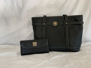 Dooney and Burke black tote and wallet for Sale in Surprise, AZ