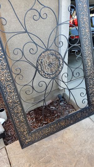 Free Wall Frame for Sale in Lake Elsinore, CA