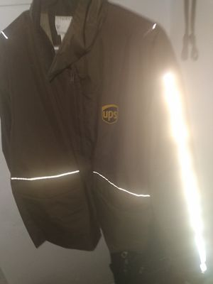 Double zipper, UPS Parka for Sale in Denver, CO
