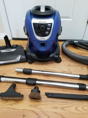 PRO AQUA VACUUM WITH COMPLETE ATTACHMENTS, AMAZING SUCTION, WORKS GREAT, USE WATER LIKE RAINBOW , MADE BY GERMANY for Sale in Kent, WA
