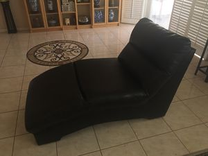 "Single ""cleopatra"" couch/sofa for Sale in Corona, CA"