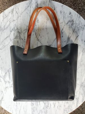 Portland Leather Large Tote for Sale in Kenmore, WA