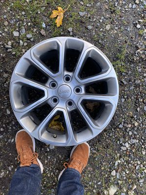 Jeep wheels, excellent condition for Sale in Tacoma, WA