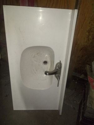 Bathroom sink countertop ceramic for Sale in Sulphur, OK