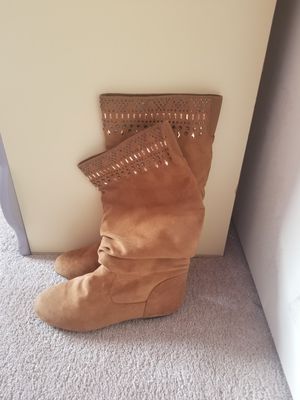 GB girls boots sz 3 for Sale in El Paso, TX