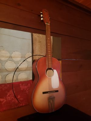 Tempo Spanish Guitar for Sale in Cleveland, OH