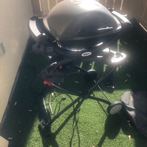 """""""Weber Q1400 Electric Grill & Portable Cart"""" for Sale in Livermore, CA"""